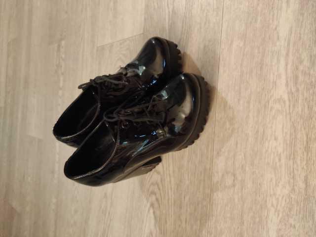 Продам: Ботинки