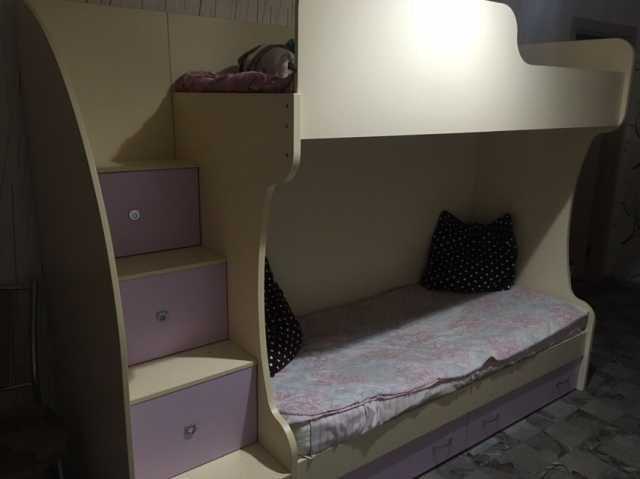 Продам: Кровать двухъярусная