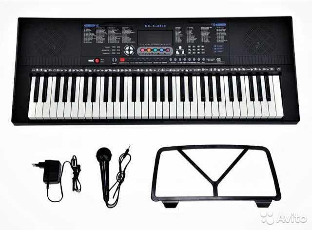 Продам: Синтезатор 61 Клавиша, 300 Те