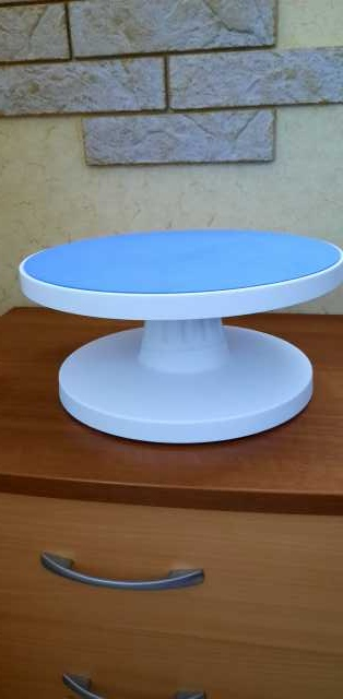 Продам: Столик поворотный кондитерский