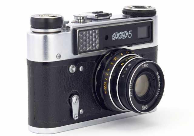 Продам: Фотоаппарат ФЭД-5 с чехлом