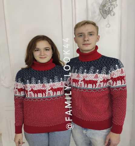 Продам: Новогодние свитера с оленями оптом