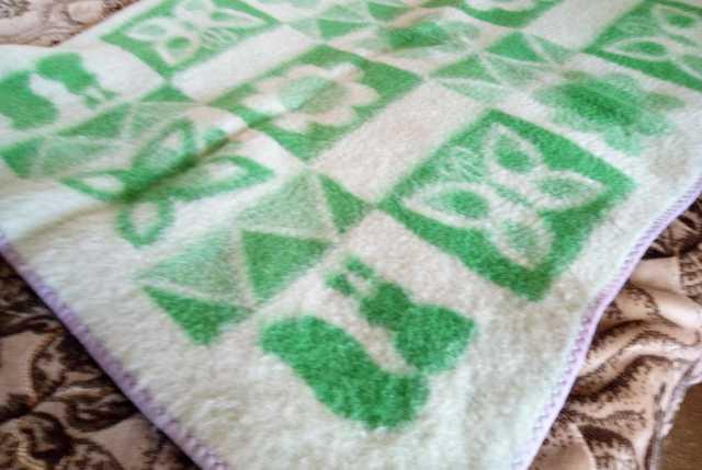 Продам: Одеяло детское 1200р