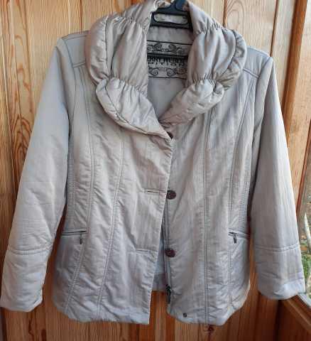 Продам: Куртка женская демисезонная размер 48-50