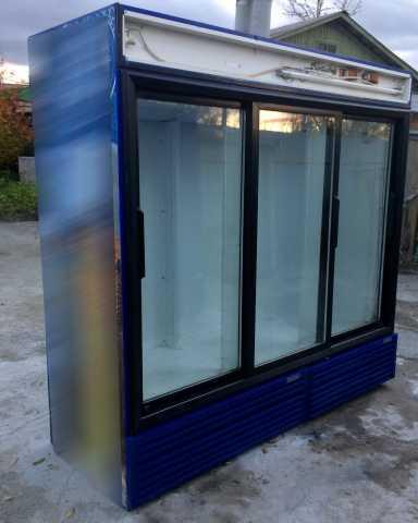 Продам: Холодильный шкаф Frigorex FVS 1800