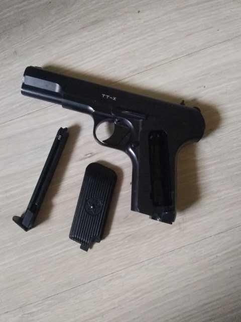Продам: Пневматический пистолет за 3000 торг