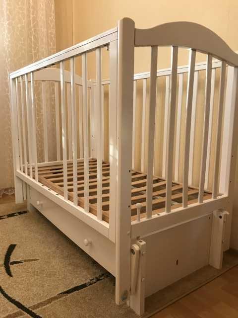 Продам: Детская кроватка-маятник