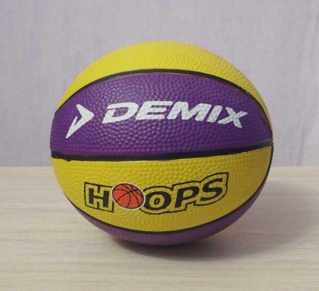 Продам: Мяч баскетбольный мини Demix