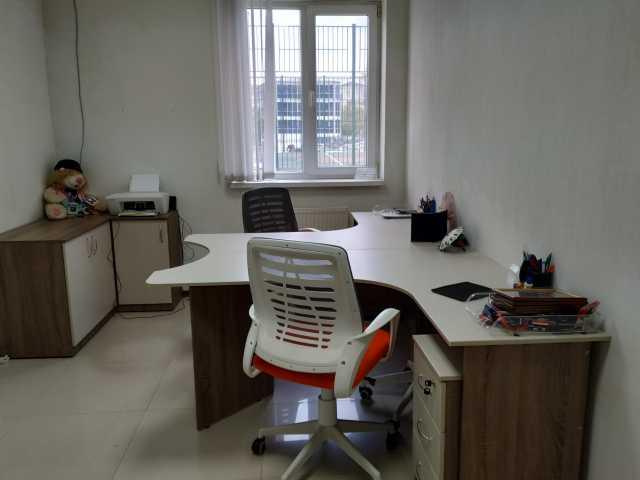 Продам: Офисная мебель