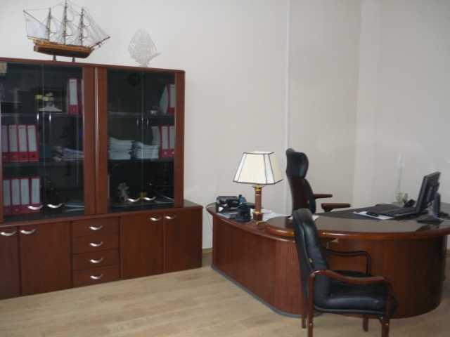 Продам: Стол руководителя и компьютерный стол