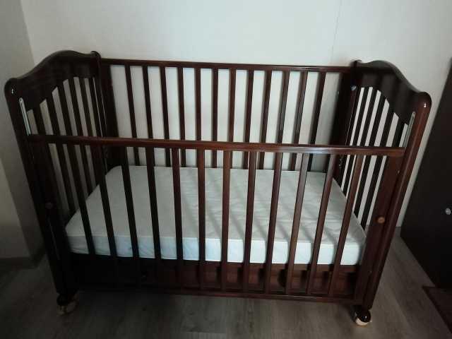 Продам: Продам детскую кровать