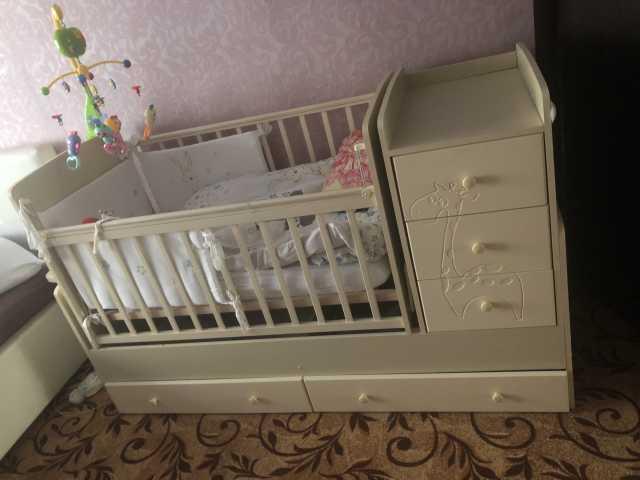 Продам: Кровать маятник