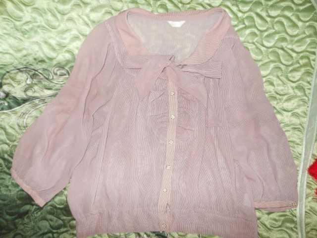 Продам: блузка с бантом