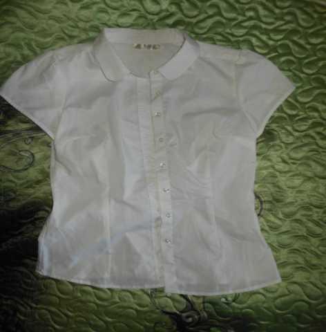 Продам: блузка белая