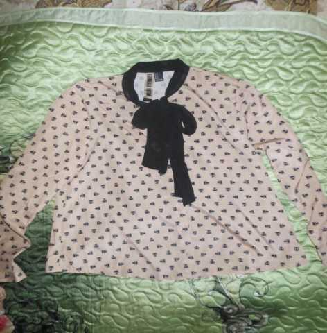 Продам: блузка с котятами Forever 21