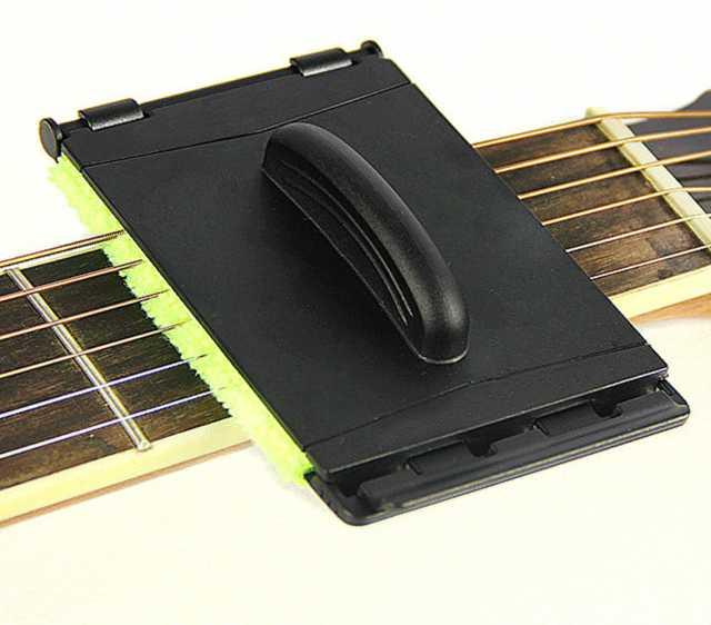 Продам: Устройство для очистки струн на гитаре