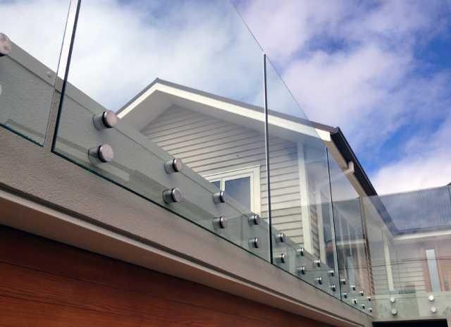 Продам: Стеклянные Ограждения Балконов B2