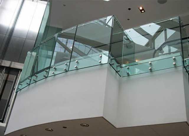 Продам: Ограждения Лестниц Стеклянные P1