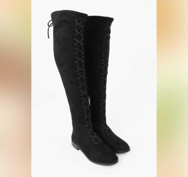 Продам: Ботфорты с декоративной шнуровкой