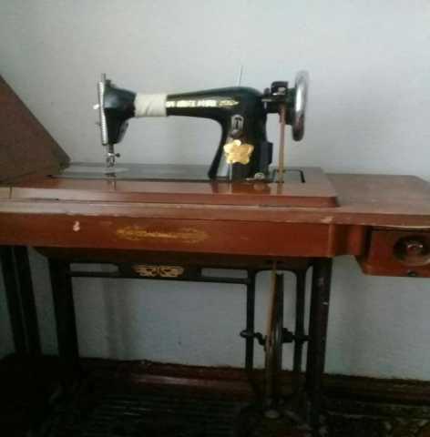 Продам: швейная машинка