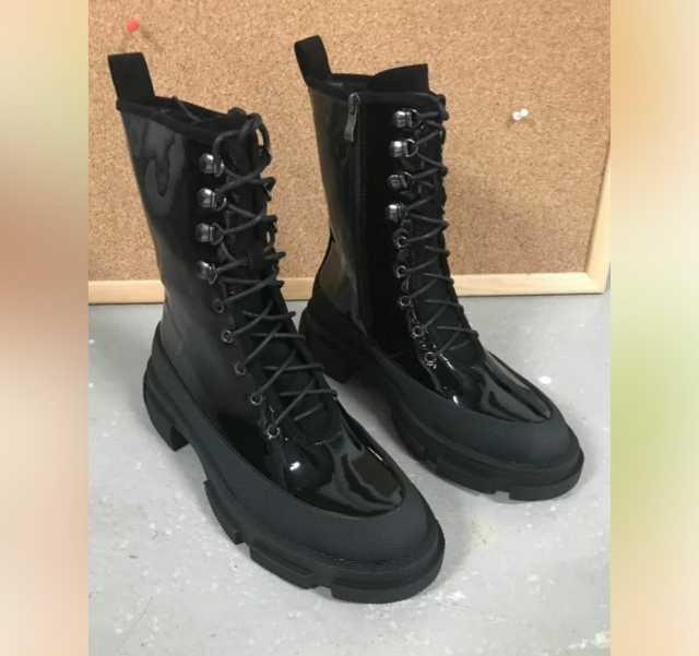 Продам: Ботинки новые