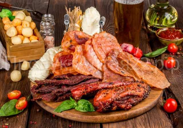 Продам: Продукция к пиву, чипсы, сыры, колбаски