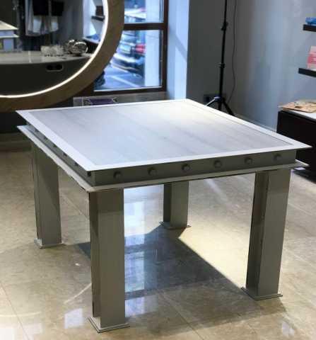 Продам: самый стильный дизайнерский стол для бут