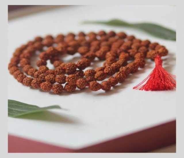Продам: Четки из плодов рудракши 108 бусин