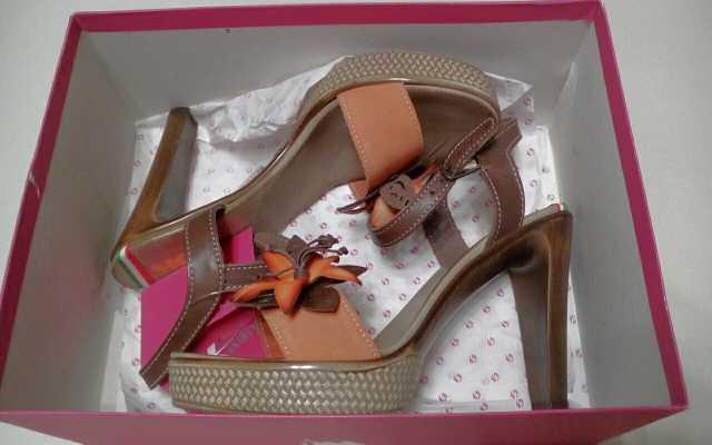 Продам: Туфли женские(Италия)