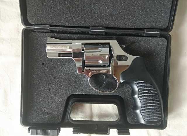 Продам: Охолощенный СХП револьвер Taurus-СО Kurs