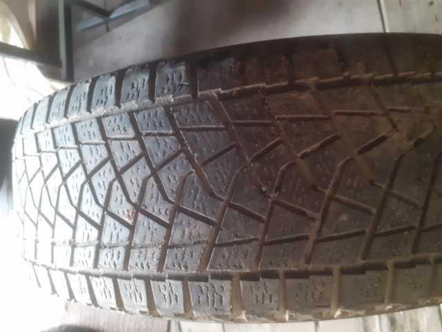 Продам: Одна зимние шины 215/70 R-16