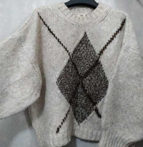Продам: Бежевый свитер