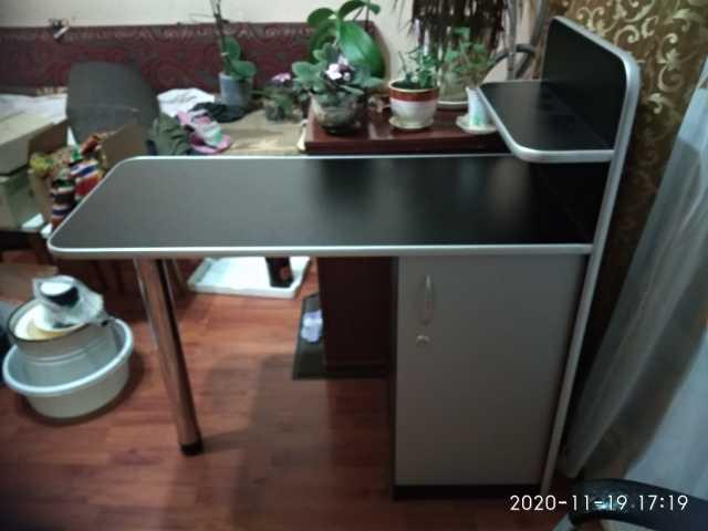 Продам: Маникюрный стол