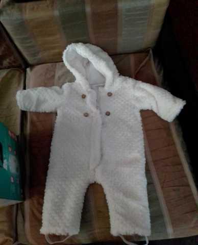 Продам: Комбинезон для девочки 6-9 месяцев