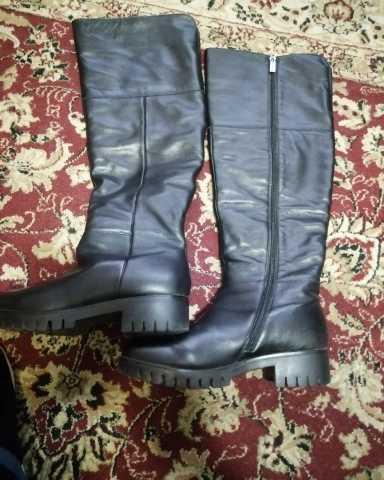 Продам: Продам кожаные ботфорты 40 размер