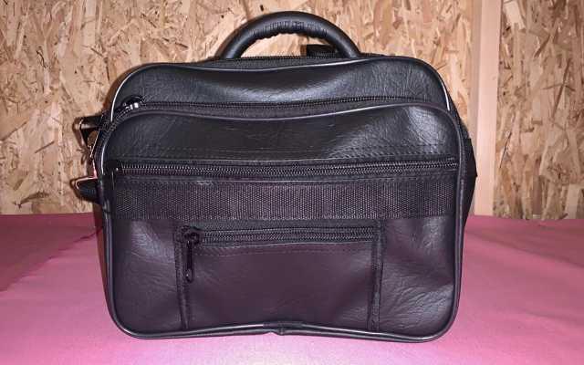Продам: Мужская сумка дилак новая