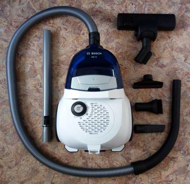Продам: Пылесос Bosch новый 6800р