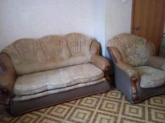 Продам: Диван и креслао