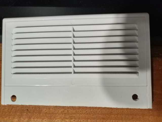Продам: Вентиляционная решётка 18 x 11 см
