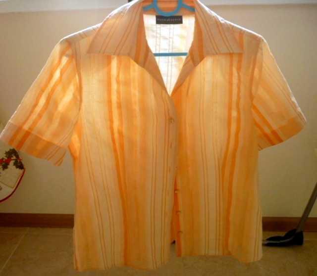 Продам: Блузка с короткими рукавами фирмы C&A