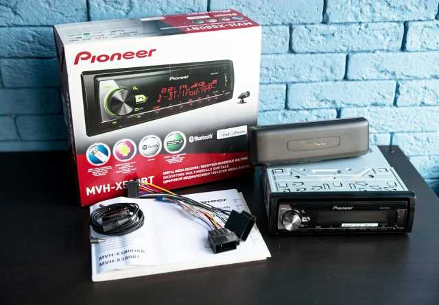 Продам: Автомагнитола Pioneer MVH-X580BT