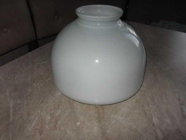 Продам: Плафон большой белого цвета, 235 mm