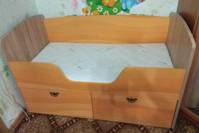 Продам: Детская кровать 150х75