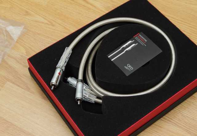 Продам: Кабель межблочный QED Signature Audio S