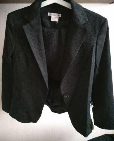 Продам: Французский костюм новый. Производство Ф