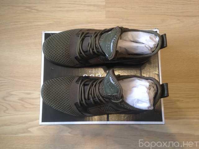 Продам: Унисекс новая летняя пара обуви Guess 39
