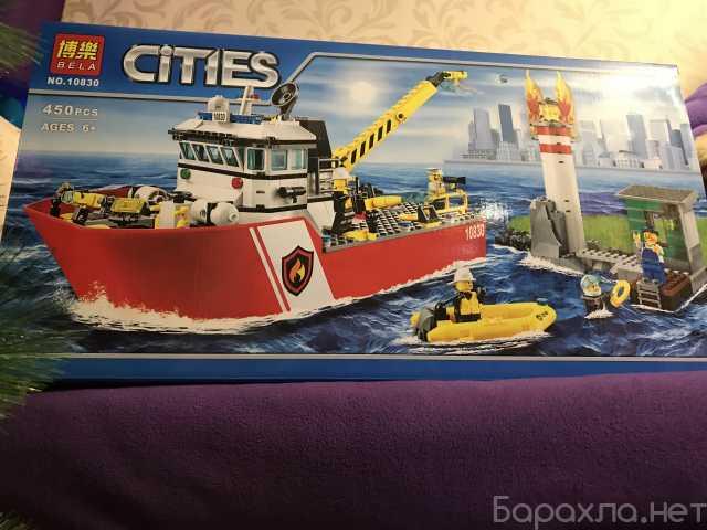 Продам: Пожарный катер 10830 (аналог lego)