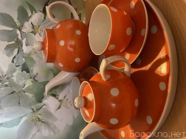 Продам: Чайный сервиз на подносе Красный горошек
