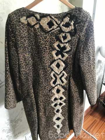 Продам: Пальто женское замшевое с вышивкой из ме