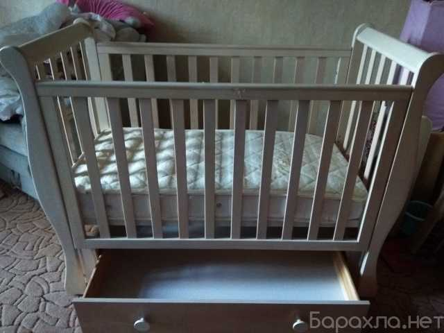 Продам: Детская кровать беленый дуб Италия
